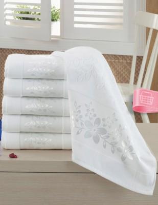 FİESTA - Fiesta İşlemelik Jakarlı Havlu - Gelin Tacı - 50 x 90 - Beyaz